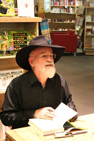 320px-Terry_Pratchett_at_Powell's_2007