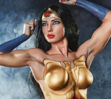 Wonder Woman mit Bodypaint