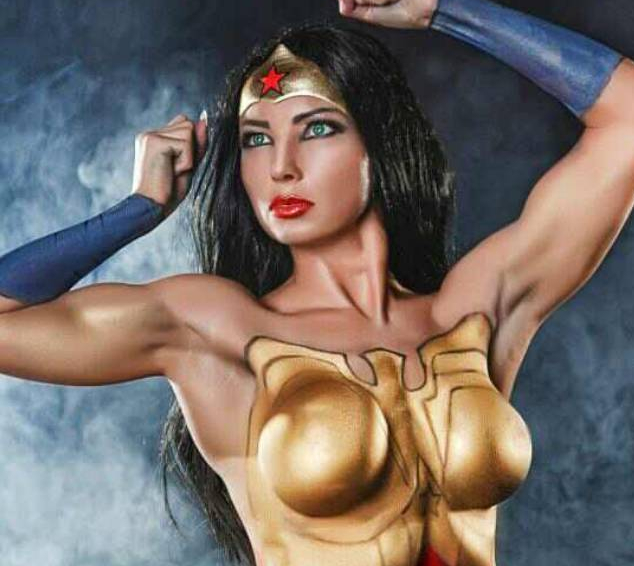 Wonder Woman mit Bodypaint