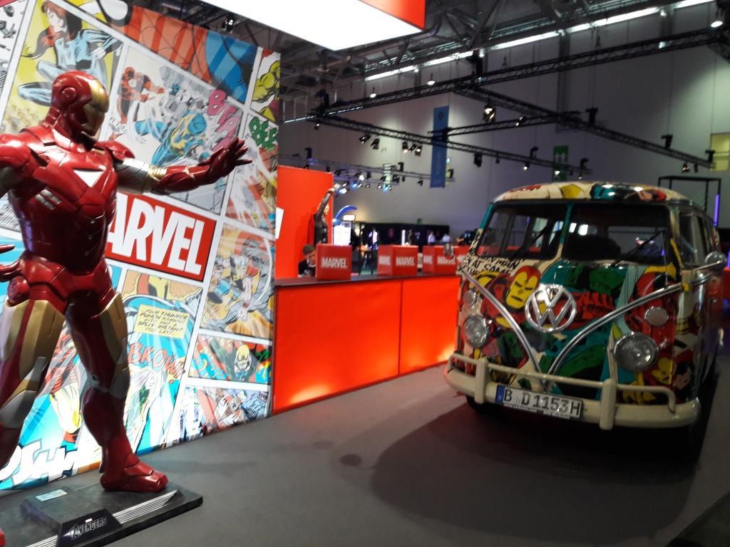 Iron Man und Marvel-VW-Bus