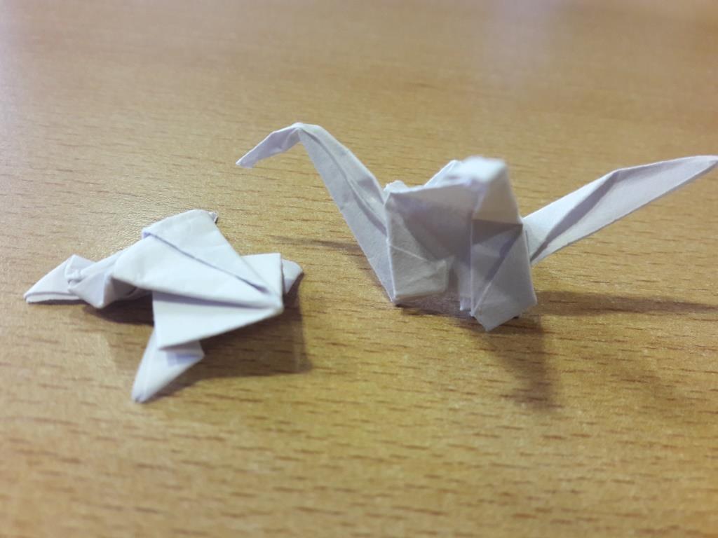 Frosch und Kranich aus Papier